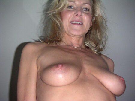 Femme mature très romantique cherche un mec pudique